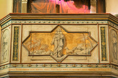 Púlpito com o pastor pintado de jesus das almas Imagens de Stock