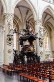 Púlpito de madera en la catedral de San Miguel en Bruselas Imagen de archivo