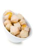 Pęcherzyc jagody w białym porcelana pucharze Zdjęcie Royalty Free