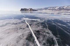 Pęknięcia w lodzie Jeziorny Baikal, Oltrek wyspa Styczeń 33c krajobrazu Rosji zima ural temperatury obraz stock