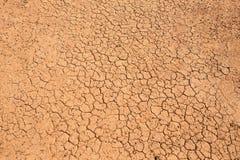 Pęknięcia w suchej ziemi zdjęcia stock