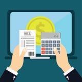 Płacić rachunki, ręki mienia rachunki Kalkulator ikona i Zdjęcie Royalty Free