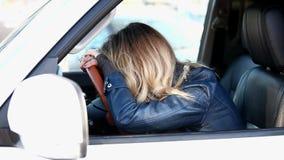 Płacz kobiety kierowca zbiory wideo