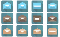 Płaska koperta w płaskim projekcie Emailing i globalna komunikacja Obrazy Royalty Free