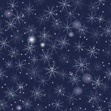 Płatka śniegu bezszwowy tło na zmroku - błękit Fotografia Royalty Free