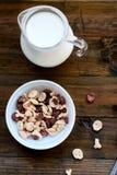 Płatki w postaci czaszek i kości z mlekiem dla śniadania Zdjęcia Royalty Free