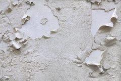 Płatkowata nafciana farba na starej ścianie. Tło. Zdjęcia Royalty Free