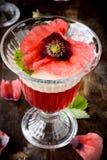 Płatkowata owocowa galareta w szkłach dekorujących z Obrazy Stock