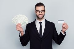 Płatniczy zakupu agenta biura podróży debetu korzyści dochodu przychodów bogactwo mleje Zdjęcia Stock