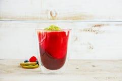 Płatowaty owocowy smoothie zdjęcie royalty free