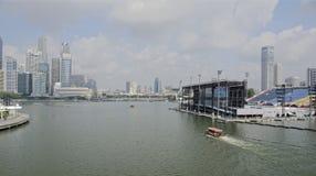 Pławik przy Marina zatoką zdjęcie stock