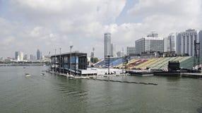 Pławik przy Marina zatoką zdjęcia stock
