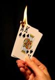 płomień dolna karty ogniska gorącej ręka Fotografia Stock