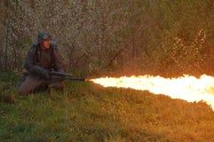 płomienia niemiecki żołnierza miotacz Zdjęcia Royalty Free
