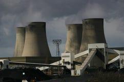 płonąca elektrowni węglowej Zdjęcia Royalty Free