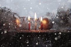 Płonące świeczki, snow/grafika w retro stylu Zdjęcie Royalty Free