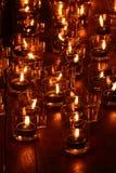 Płonące świeczki w szkle Zdjęcia Royalty Free