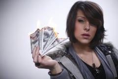 płonącego pieniądze seksowna kobieta Zdjęcia Stock