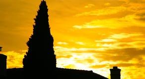 płonący dom słońce Obrazy Royalty Free