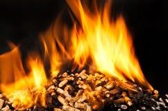 Płonący drewniany wyrko zdjęcia royalty free