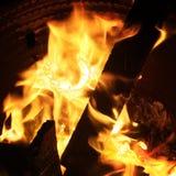 Płonący drewno płomienie Zdjęcie Royalty Free