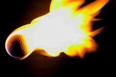 płonący kulowego w golfa obraz stock