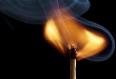 płonący matchstick zdjęcia stock