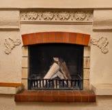 płonący ogień kominki tabliczki okulary dym wesołych zaciągnęli Zdjęcia Stock