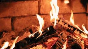 Płonący płomienia ogień w grabie swobodny ruch zbiory