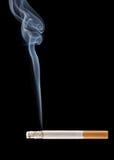 płonący papierosa Zdjęcie Royalty Free