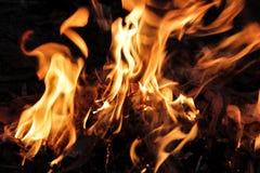 Płonący pożarniczy płomień zdjęcia royalty free