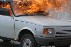 płonący samochód Zdjęcia Royalty Free