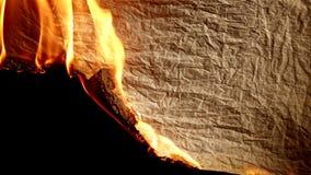 płonący stary papier zbiory wideo