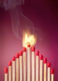 Płonący zapałczany położenie ogień swój sąsiad obrazy royalty free