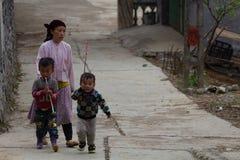 Płuca krzywka wioski rodzina Wietnam obrazy stock