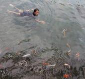 Pływać z ryba Obraz Stock