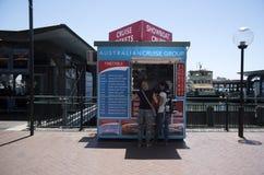 Pływa statkiem łódkowaty biletowy budka Kółkowy Quay, Sydney, - Zdjęcie Stock