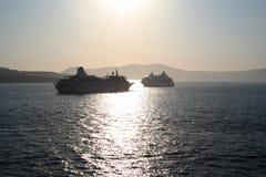 pływa statkiem santorini Zdjęcia Royalty Free
