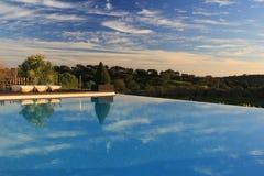 Pływacki basen, błękitne wody, relaks, odtwarzanie, turystyka, widok, przezroczystość Zdjęcie Stock