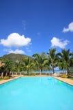 Pływacki basen kurort na wyspie Zdjęcia Royalty Free