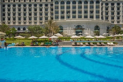 Pływacki basen pięć Vinpearl kurortu gwiazdowy widok przy Nha Trang, Wietnam Zdjęcia Stock
