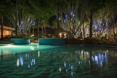 Pływacki basen przy nocą Zdjęcia Stock