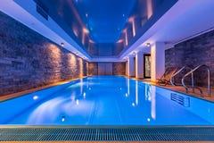 Pływacki basen z ściana z cegieł zdjęcie royalty free