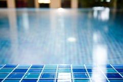 Pływacki basen z zamazanym tłem Fotografia Royalty Free