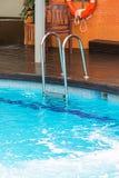 Pływackiego basenu drabina obraz royalty free