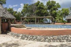 Pływackiego basenu hotel w kurorcie na Więźniarskiej wyspie fotografia royalty free