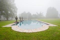 Pływackiego basenu mgły krajobraz Fotografia Royalty Free