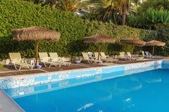 Pływackiego basenu teren hotel zdjęcie royalty free
