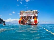 Pływający przy Zakynthos Grecką wyspą, Grecja obraz stock