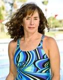 pływający starsza kobieta zdjęcia stock